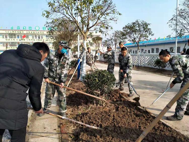 冬日暖阳 师生互动 创建最美校园
